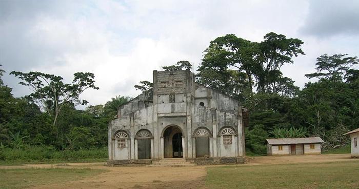 Церковь Oveng Eseng, Экваториальная Гвинея
