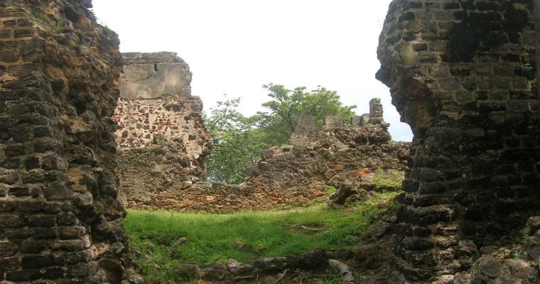 Старый форт, Гамбия