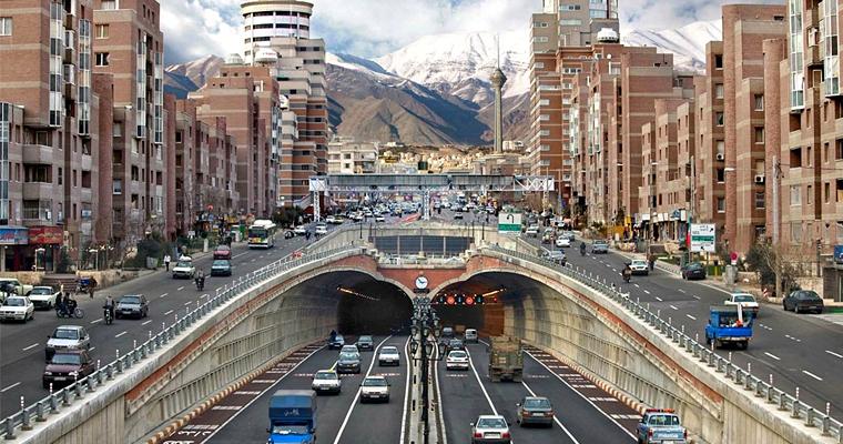 Тегеран является столицей Ирана и провинции Тегеран.