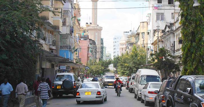 Дорога в центре города Дар-эс-Саламе, Танзания