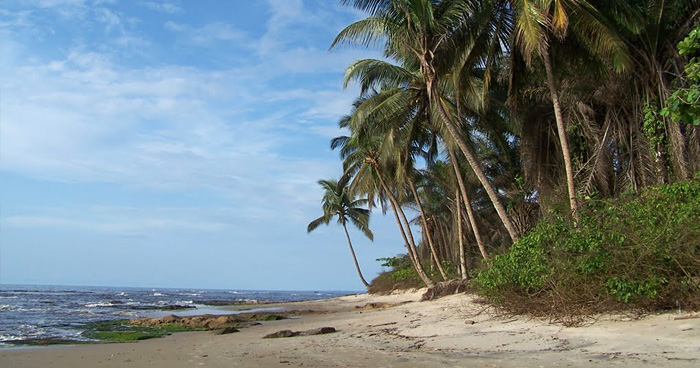 Пляж в Бате, Экваториальная Гвинея