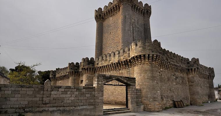 Мардакянская квадратная крепость, 14 век.