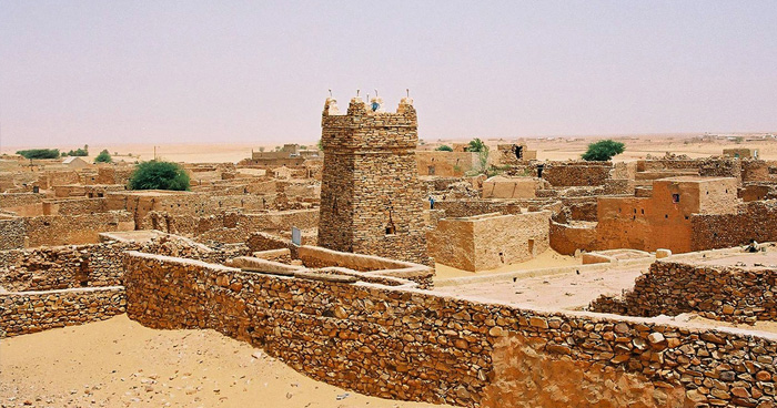 Древний Шингетти город с минарета старой мечети, Мавритания