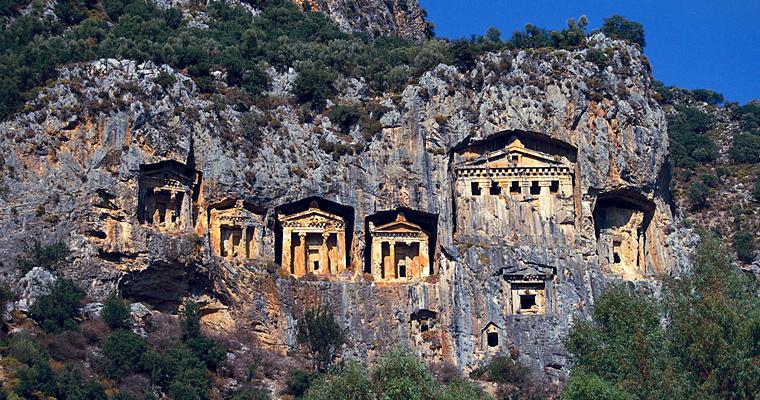 Гробницы в скалах в Мире, Турция