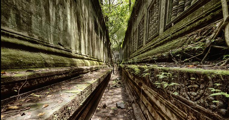 Старый заброшенный буддийский храм, Камбоджа