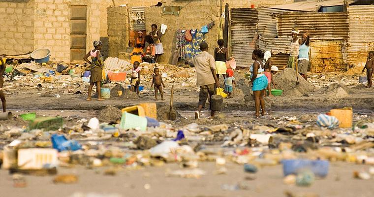 Трущобы Луанды, Ангола