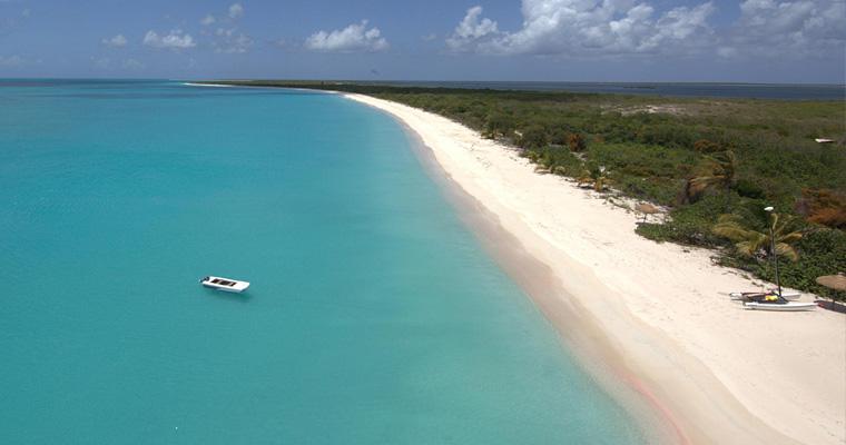 Пляж на Барбуде