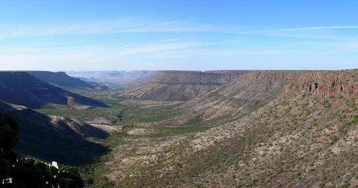 Панорама плато Этендека, Намибия