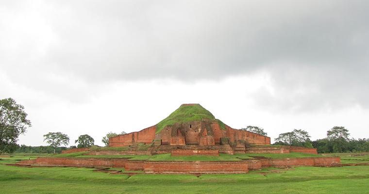 Вихара в Пахарпуре, объект всемирного наследия ЮНЕСКО.