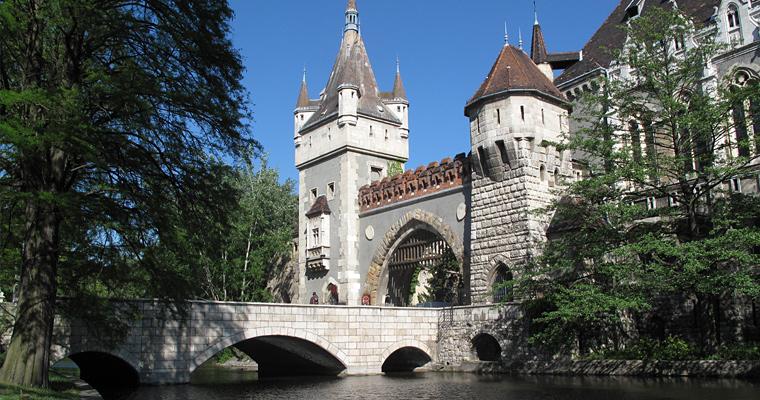 Замок Вайдахуняд, Венгрия