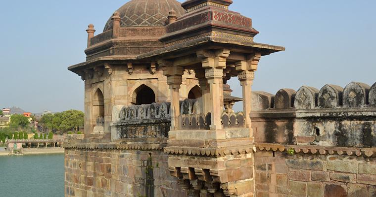 Балкон на Шер Шах Сури Могилы