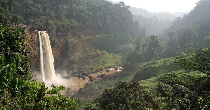 Водопад Эком, Камерун
