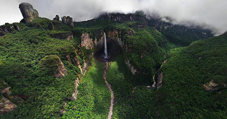 Dragon Falls, Венесуэла