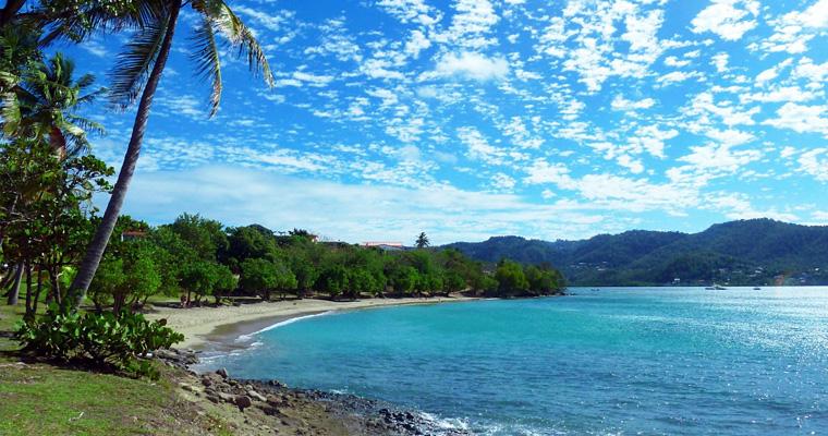 Карибский Тихий пляж на Мартинике