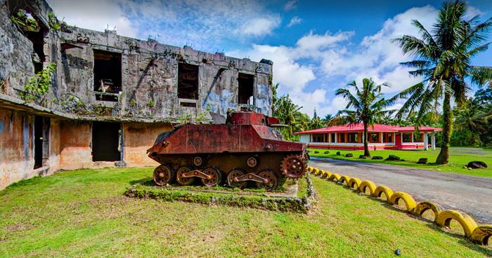 Японский танк и остатки центра связи, Палау