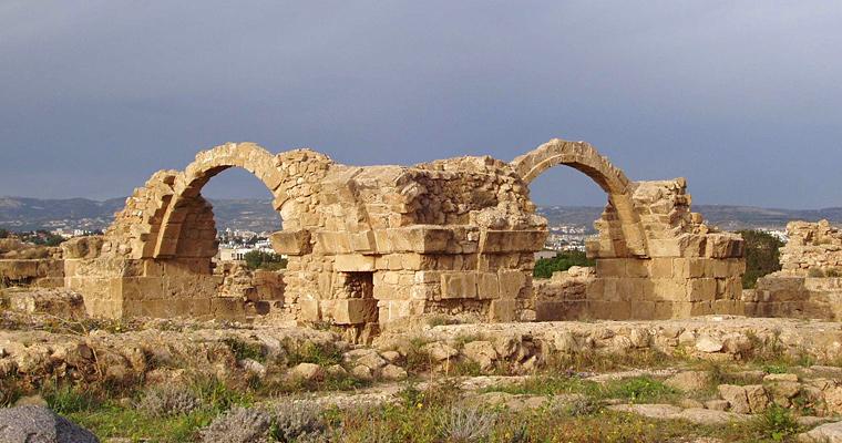 Замок Саранта Колонес, Пафос, Кипр