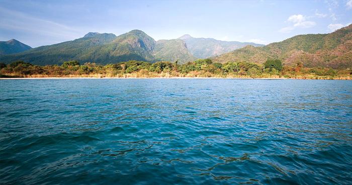Озеро Танганьика в Бурунди