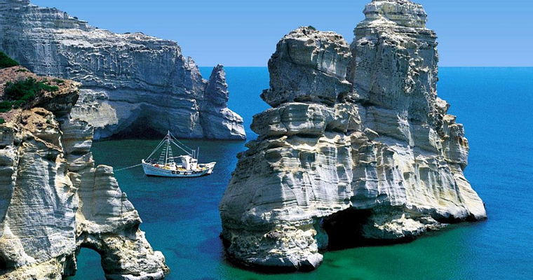 Милош, Греция