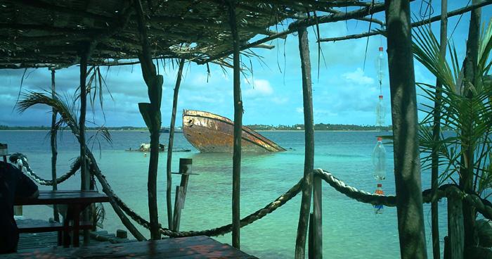 Остров Pangaimotu и его затонувший корабль, Тонга