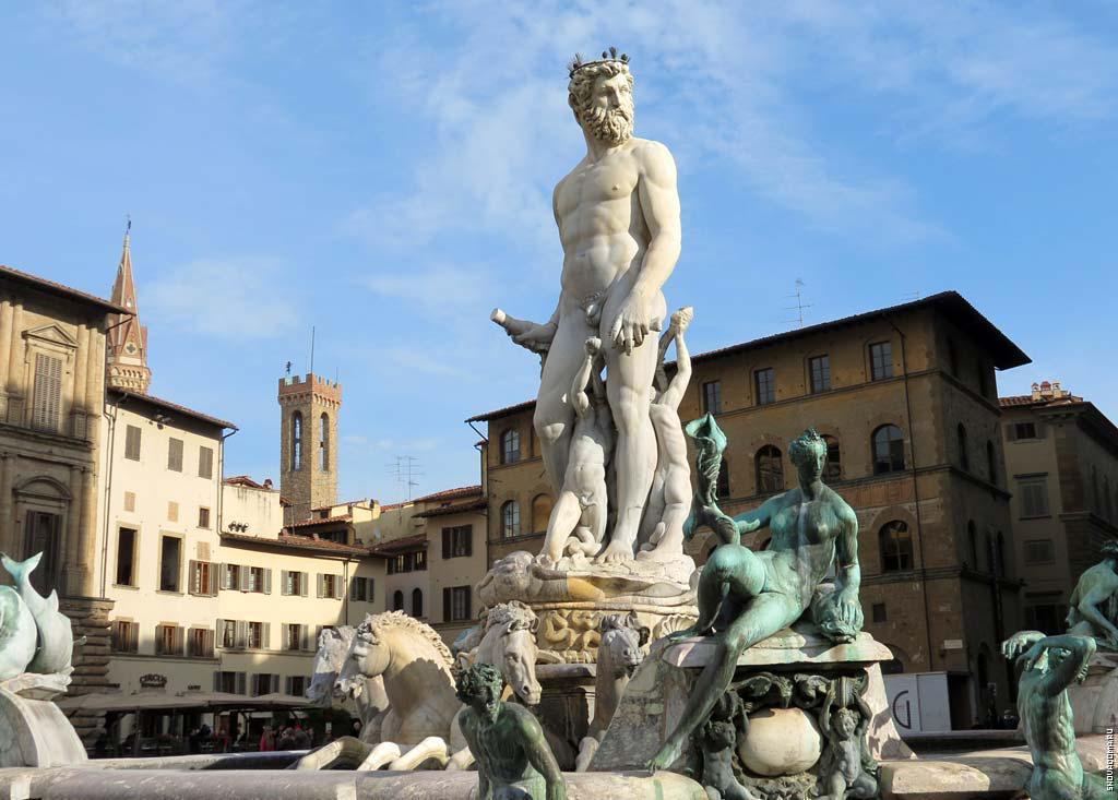 Статуя Нептуна и фонтан на площади Синьории
