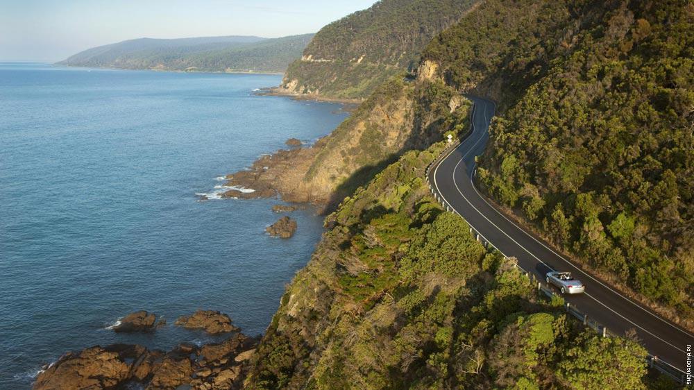 Дорога пересекает несколько заповедников: Порт Кэмп – Белл, парк Отвей и другие.