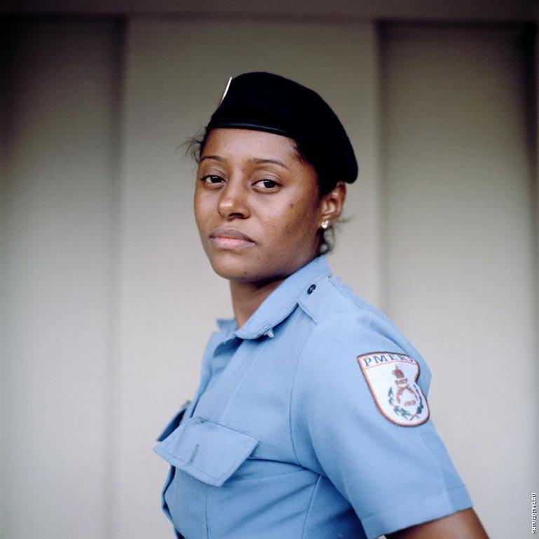 Полицейский Глэси Роха, 31 год, администрация Полиции