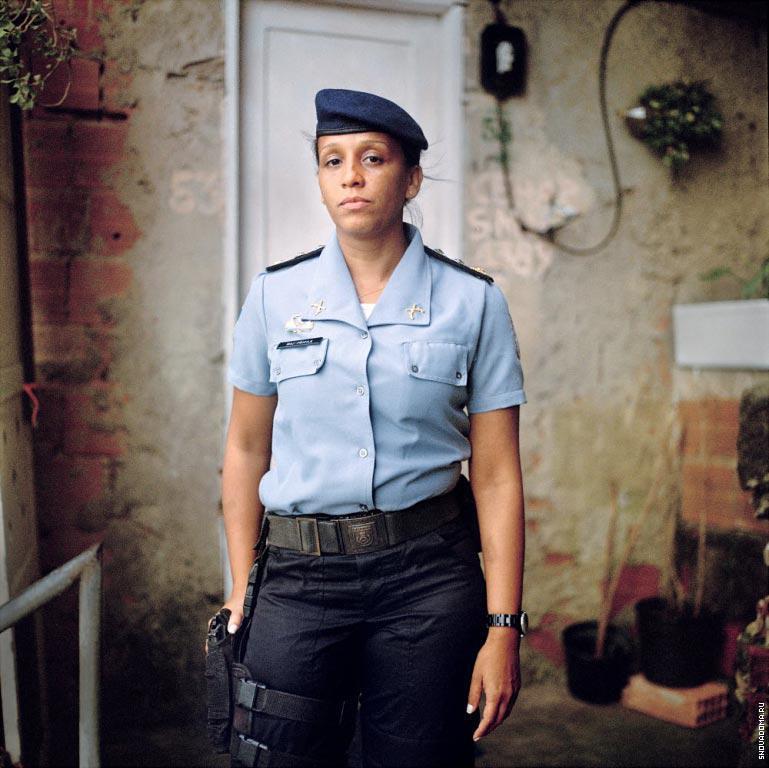 Майор Присцила де Оливейра Азеведо, Генеральный координатор стратегических программ восстановления спокойствия полицейских подразделений Бюро Безопасности.