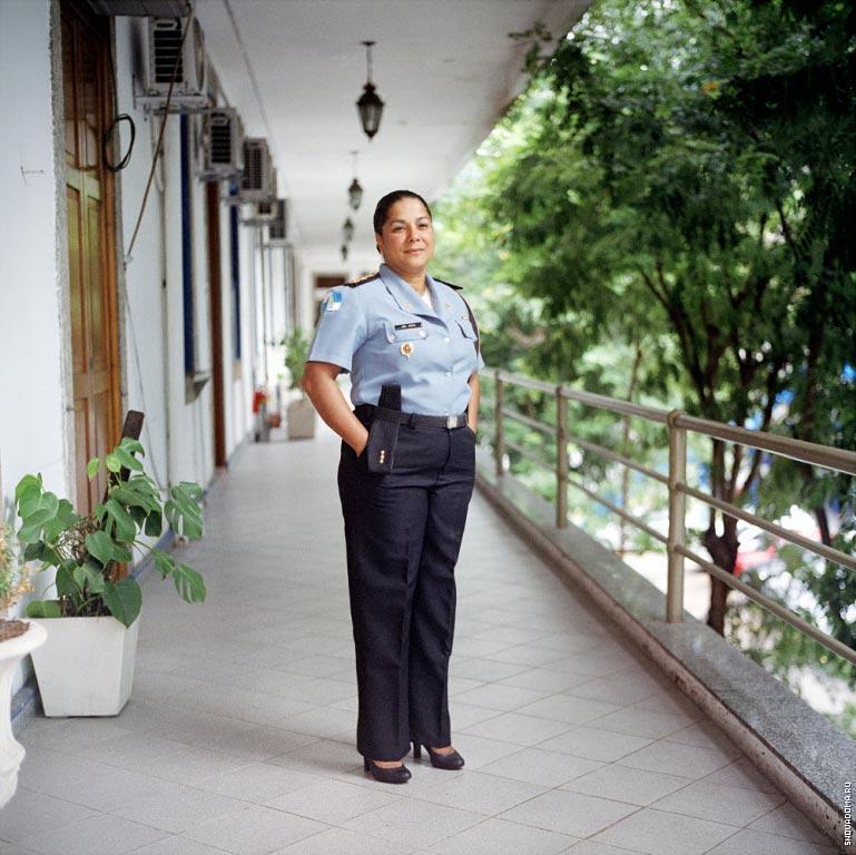 Катя Боавентура, заведующая военным полицейским кабинетом.