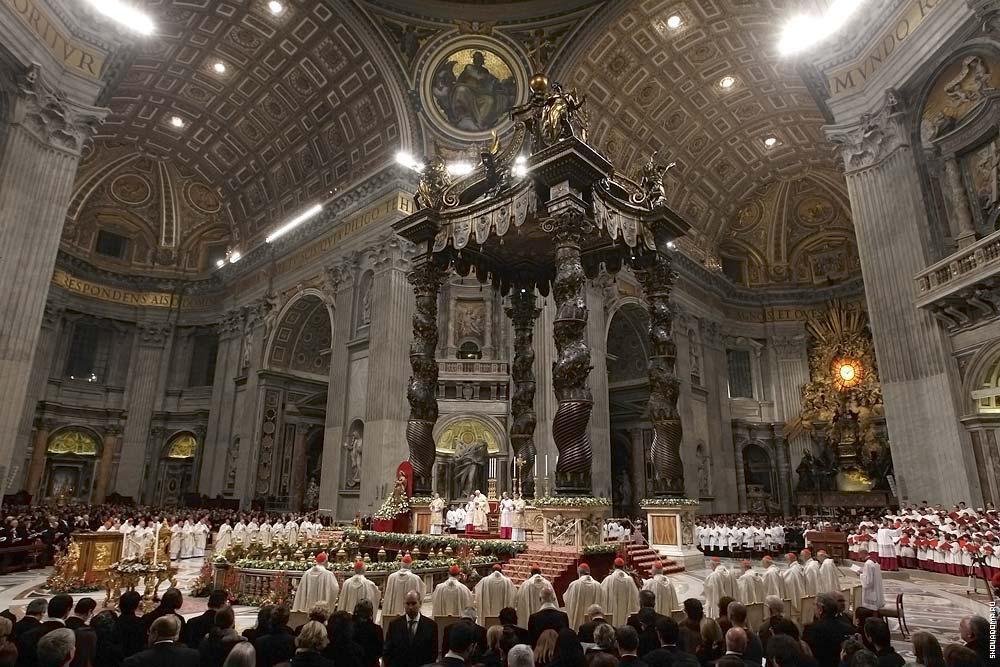 Папа Бенедикт XVI празднует Сочельник