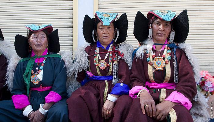 Ладакские женщины в традиционной одежде